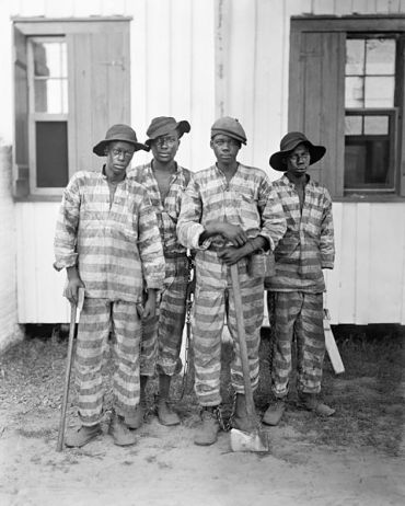 A_Southern_chain_gang_c1903-restore